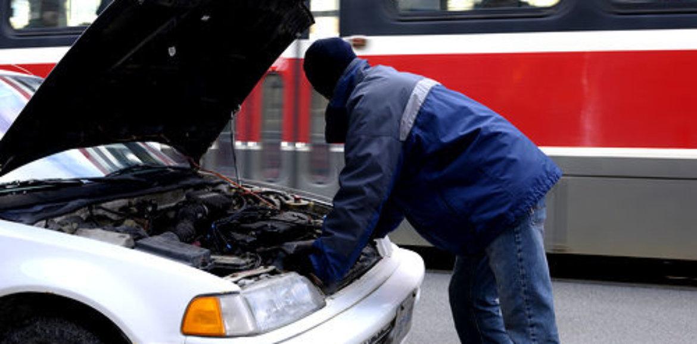 Płatności za naprawę i serwis samochodu to spory wydatek. Jak uniknąć nieprzewidzianej dziury w domowym budżecie?