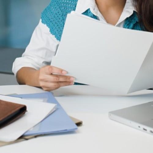 Kiedy można usunąć z akt osobowych informację o ukaraniu pracownika?