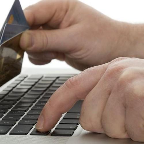 Użytkownicy unikają płatności online z obawy o bezpieczeństwo
