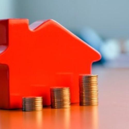 Ceny w dół, rachunki za mieszkanie w górę