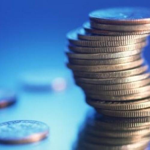 Topnieją oszczędności Polaków i zmniejsza się siła nabywcza