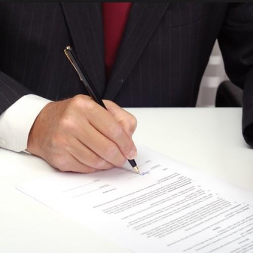 Umowa o pracę musi zostać podpisana przed rozpoczęciem jej świadczenia