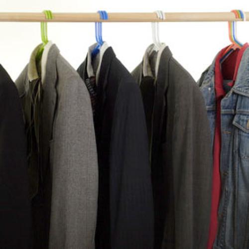 Czy Polacy bardzo różnią się w doborze ubioru do pracy od innych nacji?