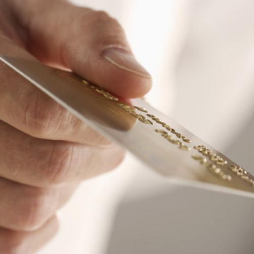 Pierwsza karta debetowa do płatności zbliżeniowych w Szwajcarii