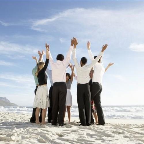 Szczęśliwi pracownicy żyją dwa lata dłużej i zarabiają o jedną trzecią więcej