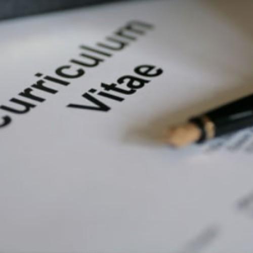 Źle napisane CV przekreśla szanse na pracę. Musi być dopasowane do konkretnej firmy