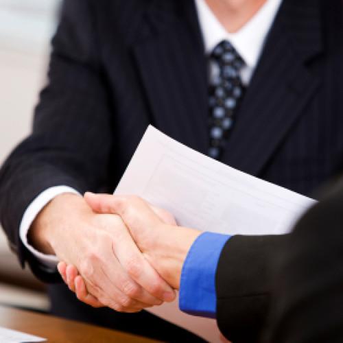 Kiedy zawiera się przedwstępną umowę o pracę?