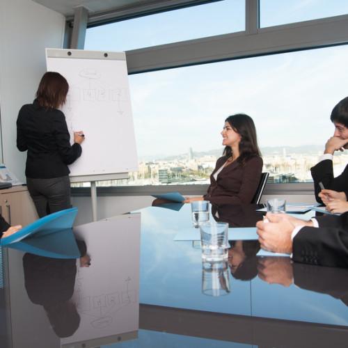 Szkolenia finansowe i kadrowe – przepustka do pierwszej pracy