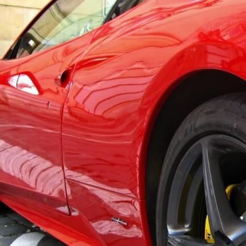 Jak ubezpieczyć Ferrari?