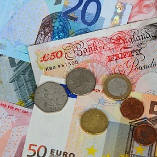 Funt i euro zyskują na wartości w stosunku do dolara