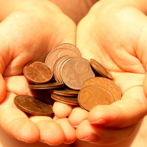 Jak uzyskać wypłatę środków po zmarłym członku OFE?