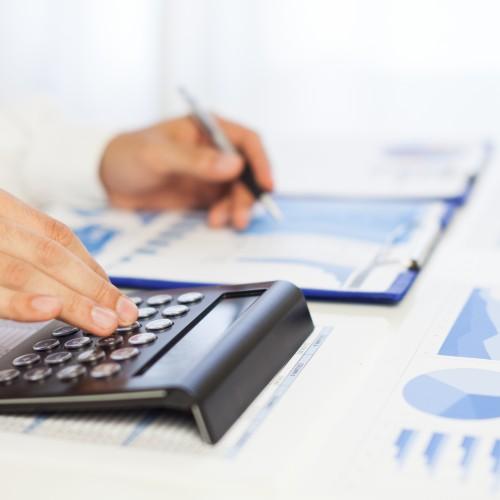 Podatnicy muszą pamiętać o rozliczeniu dochodów uzyskanych za granicą
