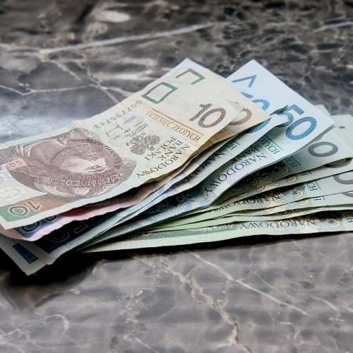 Majowe wydatki Polaków – na podstawie analizy ekspertów Ferratum Bank