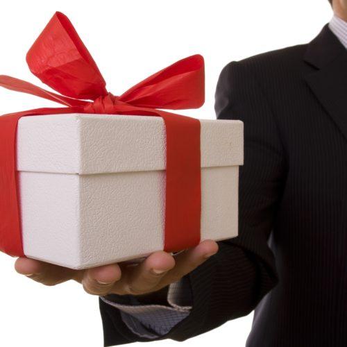 Oczaruj klientów, wzbudź zawiść konkurencji i wrzuć to w koszty! – czyli o upominkach firmowych słów kilka