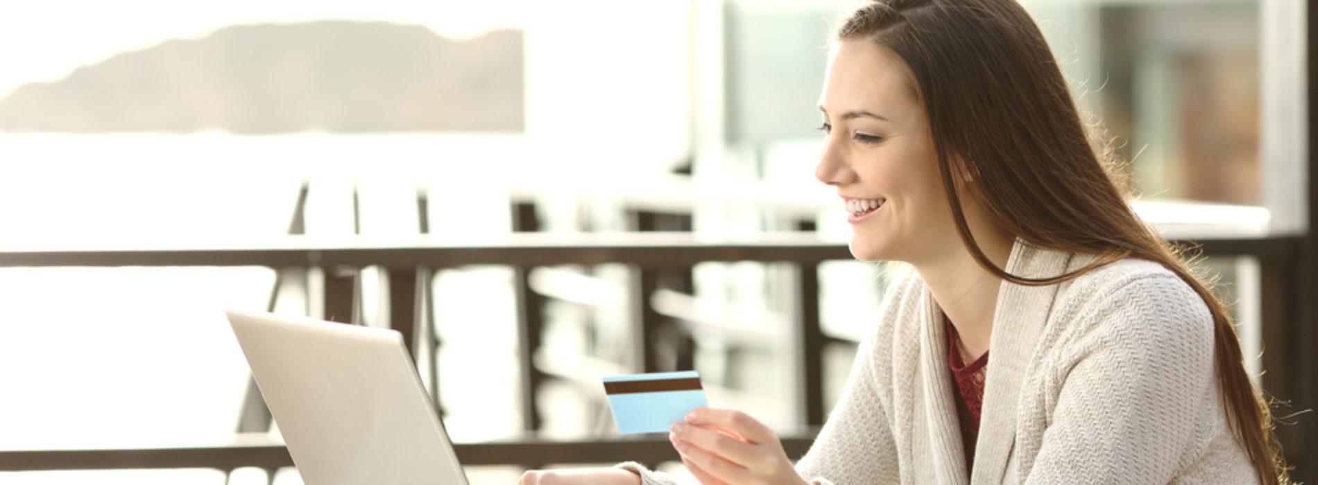 Jak zaoszczędzić na zakupach w sieci?