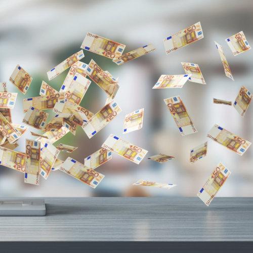 Sprawdź kursy walut online, zanim wymienisz swoje pieniądze w banku