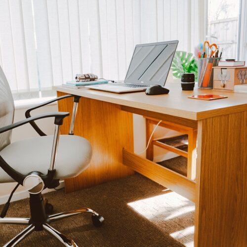 Fotel biurowy – o czym pamiętać przy jego wyborze?