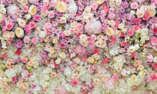 Ślubne dekoracje ze sztucznych kwiatów