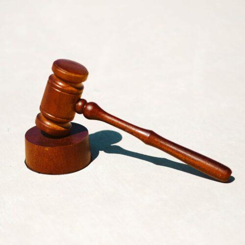Jak działa e-sąd?
